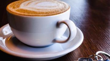Кофе или зеленый и черный чай содержат больше кофеина